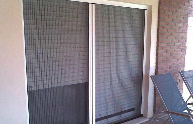 Instalar mosquiteras correderas cerrajeros valencia for Mosquiteras leroy merlin instalacion